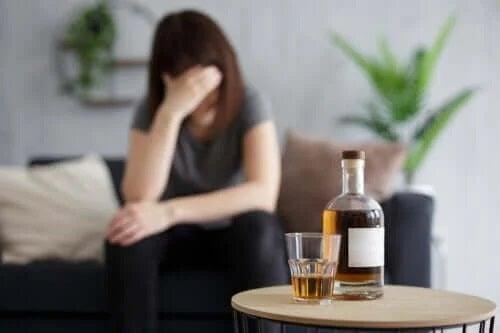 Ce se întâmplă când bei alcool pe stomacul gol?