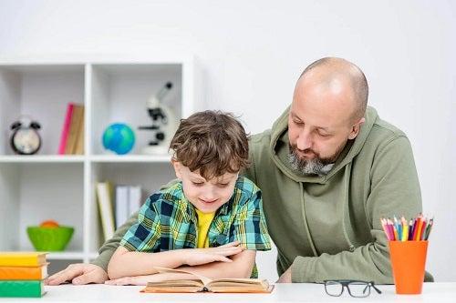 Bărbat care predă obicei sănătoase pentru copii