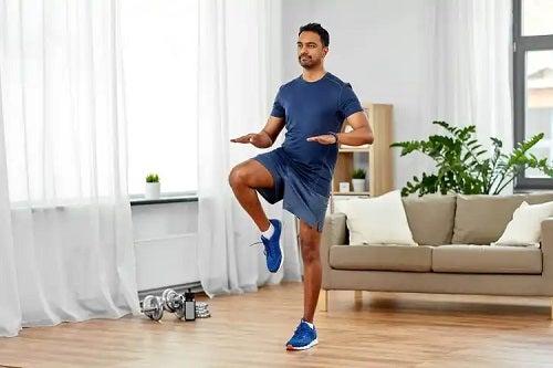 Bărbat care și-a făcut timp pentru exerciții fizice