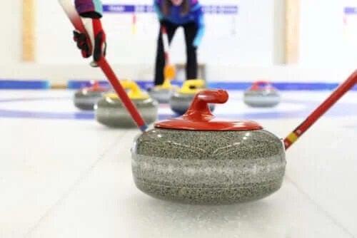 Ce este curling-ul și care este istoria sa?