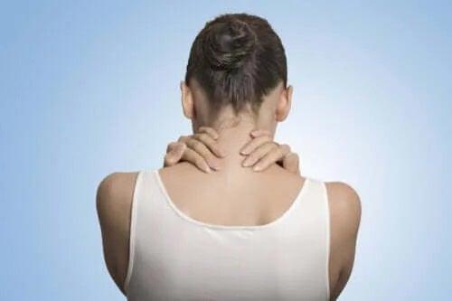 Ce este fibromialgia, boala lui Andrea Levy?