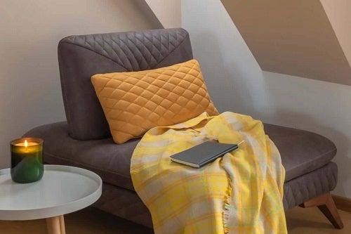 Crearea unui colț de relaxare cu fotoliu