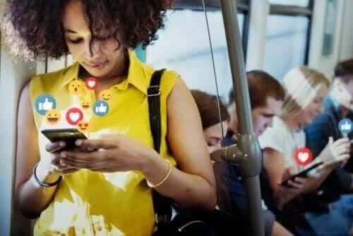 Avantajele și dezavantajele rețelelor de socializare