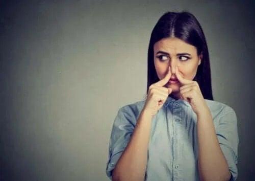 Fantosmia: cum apar halucinațiile olfactive?