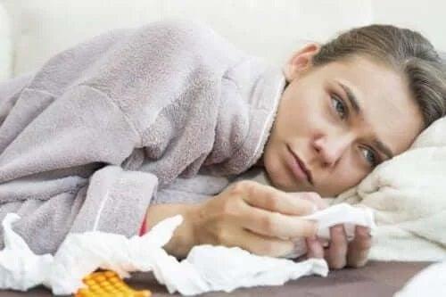 Femeie care primește tratamentul tromboembolismului pulmonar