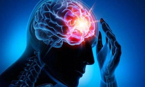 Persoană afectaă de leziunile cerebrale traumatice