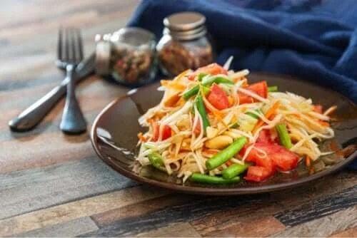 Salată de papaya: rețetă delicioasă și rapidă