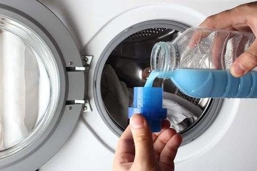Spălarea cuverturilor corect cu detergent