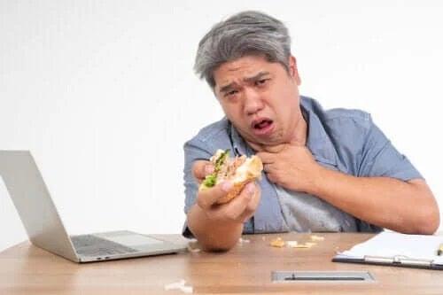 Alimentația în disfagie: ce presupune?