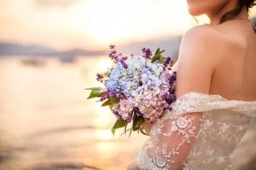 Ce este sologamia? Moda de a te căsători cu tine