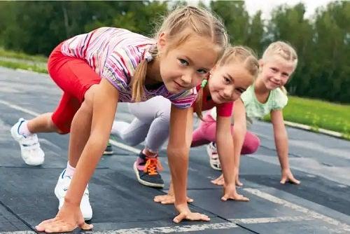 Hipermobilitatea infantilă are avantaje când vine vorba de sport