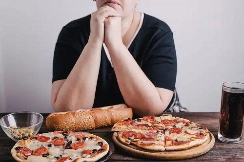 Mâncatul fără oprire la persoane obeze