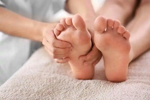 Masajul tălpilor la podiatru