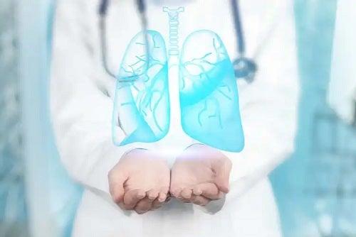 Medic care explică ce este bronhoscopia