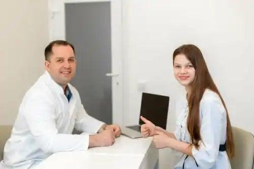 Medic care se ocupă de interviul motivațional