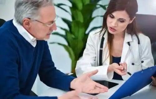 Medic care explică simptomele andropauzei