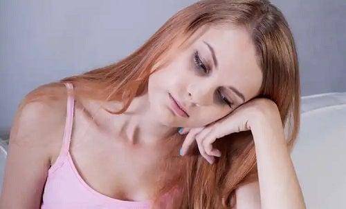 Femeie cu nivelul de fier scăzut