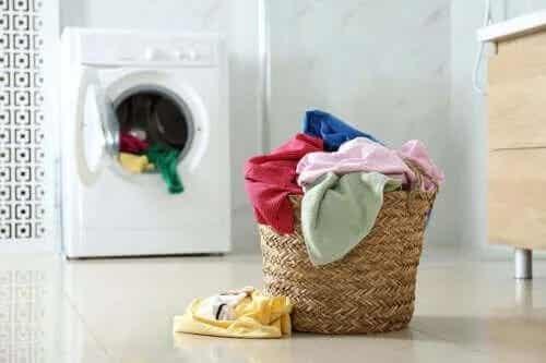 Pune piper negru în mașina de spălat!