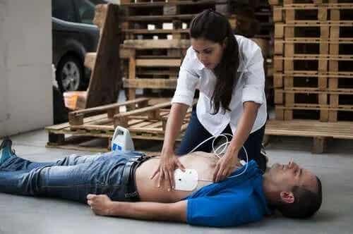 Primul ajutor în stopul cardiac