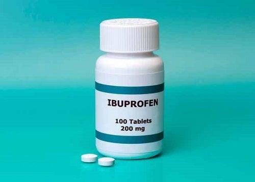 Sticlă de ibuprofen