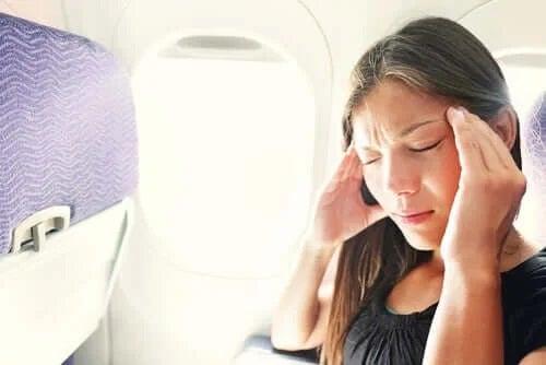 Cum eviți disconfortul și stresul în timpul zborului