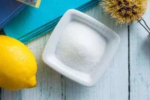 Cum folosești acidul citric la curățenie