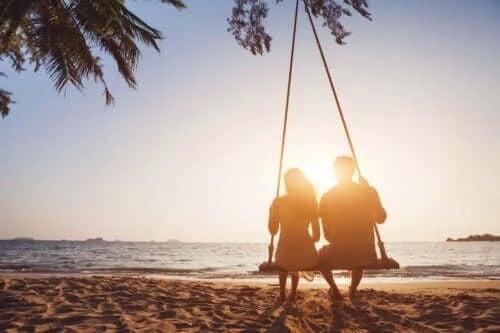 Avantajele relațiilor pe termen lung și părțile negative