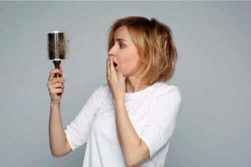Căderea părului în alăptare