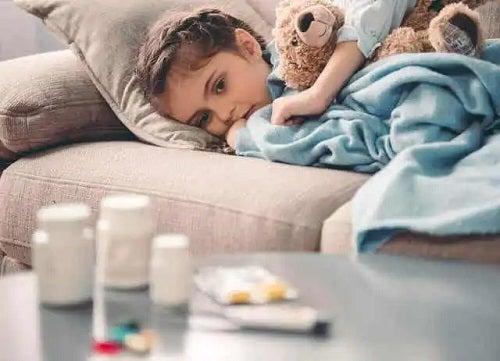Copil bolnav de pneumonie