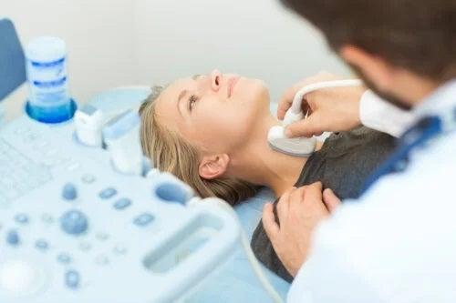 Biopsia de tiroidă: tot ce trebuie să știi