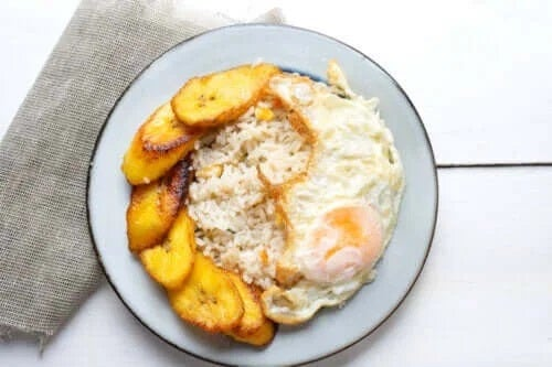 Rețetă delicioasă de orez cubanez cu plantain