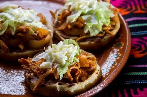 Platou cu sopes mexicane