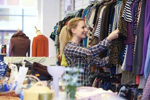 6 sfaturi pentru a cumpăra haine second hand