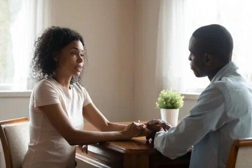 4 sfaturi pentru a vorbi sincer și empatic