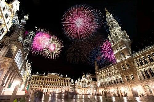 Tradiții de Anul Nou cu artificii