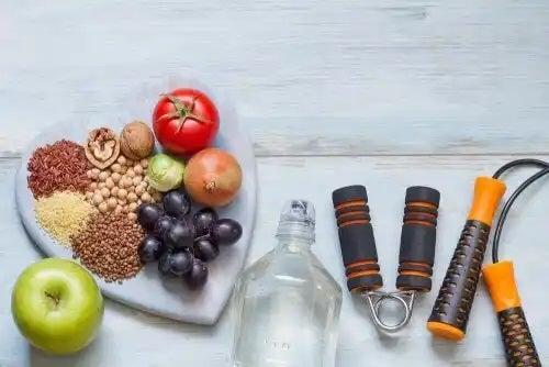 Platou cu alimente sănătoase și accesorii de sport