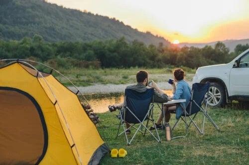 7 lucruri utile când mergi cu cortul