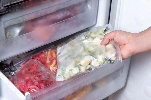 Mâncare congelată pentru bebeluși