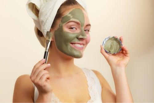 Măști antioxidante cu ceai verde pentru piele și păr