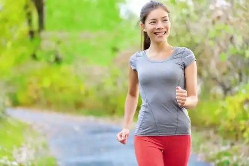 Mersul pe jos reduce sensibilitatea sânilor