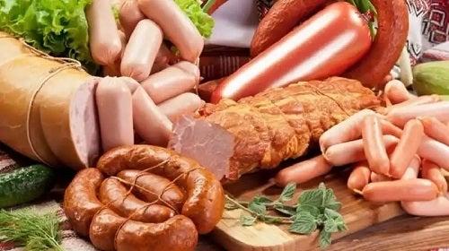 Mezeluri incluse în dieta pro-inflamatorie