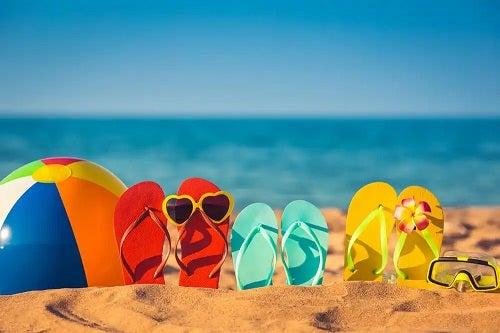 Trebuie să purtați ochelari de soare la plajă
