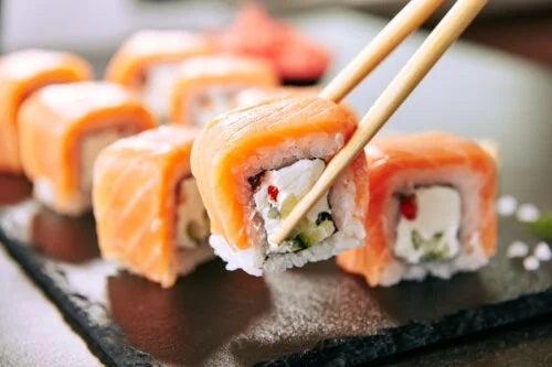 Sushi este sănătos? Beneficii și riscuri asociate
