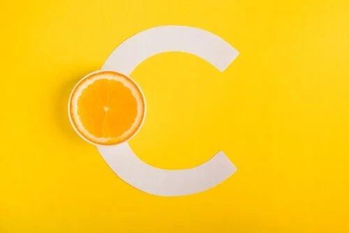 Vitamina C ajută la combaterea alergiilor?