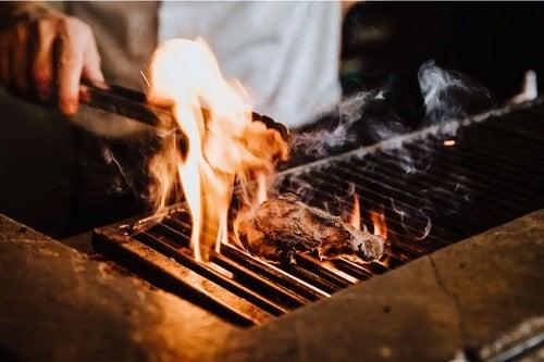 Carne pe grătar