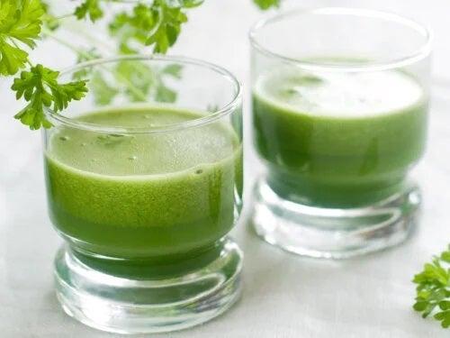 Controlează anxietatea cu usturoi, ceapă, ardei gras și suc de pătrunjel
