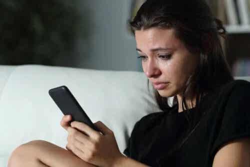 Femeile cu dependență emoțională prezintă un risc mai mare de femicid