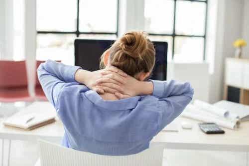 Uimitor! Descoperiți cum să vă întindeți coloana vertebrală în doar 2 minute