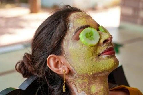 7 măști faciale cu castravete: preparare și beneficii