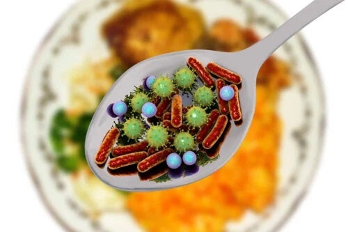 Microorganisme patogene în alimente: pericolul nevăzut